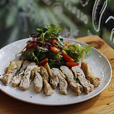 Grilled Garlic Chicken With Salad