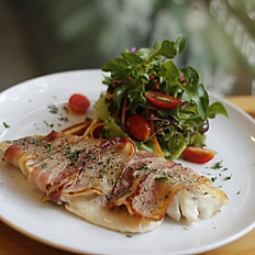 Bacon Baked Fish With Salad