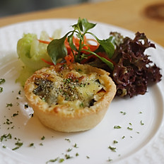 Bacon Leeks Quiche With Salad