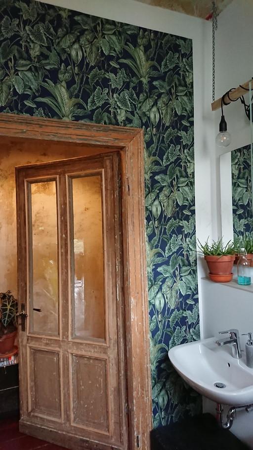 Badezimmer-Pflanzenliebe-tapete-altbauli