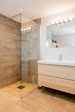 Badet med dusj