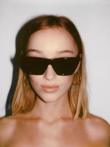 pola_glasses2.jpg