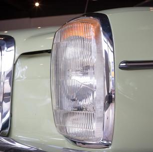 Mercedes-Benz 200 (W 115) (12).jpg
