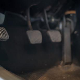 Mercedes-Benz 200 (W 115) (14).jpg