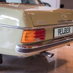 Mercedes-Benz 200 (W 115) (7).jpg