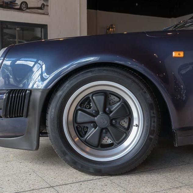 Porsche 911 Turbo (7).jpg