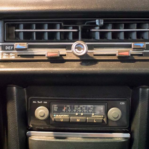 Mercedes-Benz 200 (W 115) (29).jpg