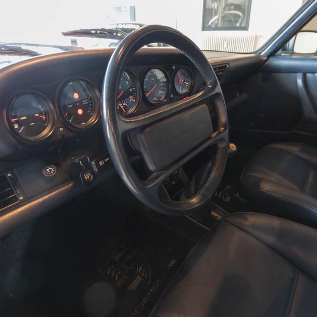 Porsche 911 Turbo (21).jpg
