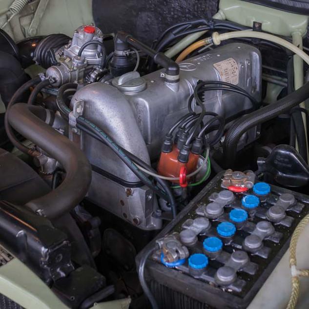 Mercedes-Benz 200 (W 115) (24).jpg