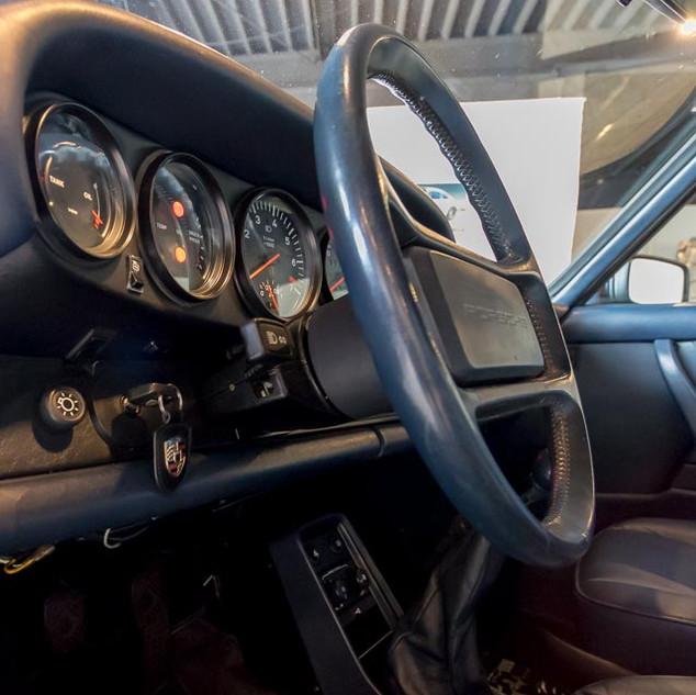 Porsche 911 Turbo (24).jpg