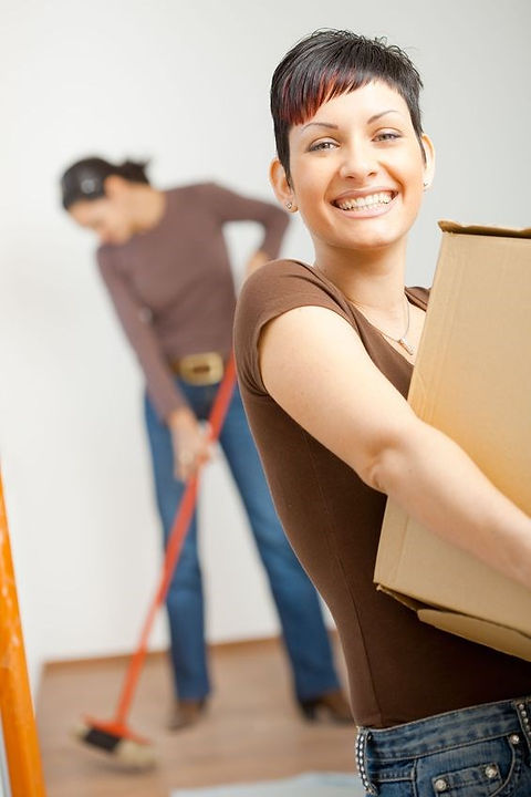 woman moving box.jpg