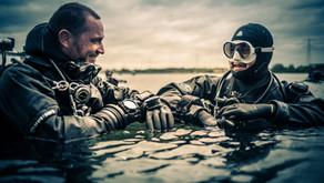 Investir dans le bon matériel de plongée.