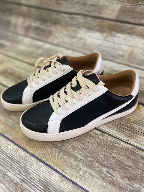 Low Top Street Sneaker