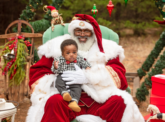 Santa (1 of 8).jpg