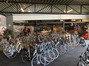 budget-bikes-hoeve-binnenplaats.jpg