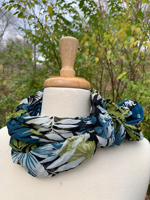 Bluegreen Leaves: Silk in a Can Scarf