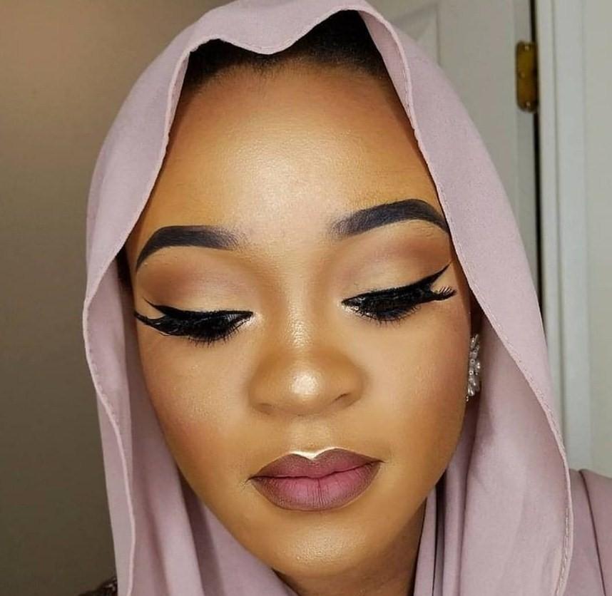 Shafau - Makeup Artist