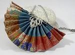 collier-eventail-origami-bleu-acier-avec