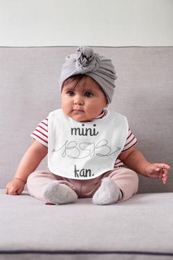 baby-bib-mockup-featuring-a-baby-girl-32