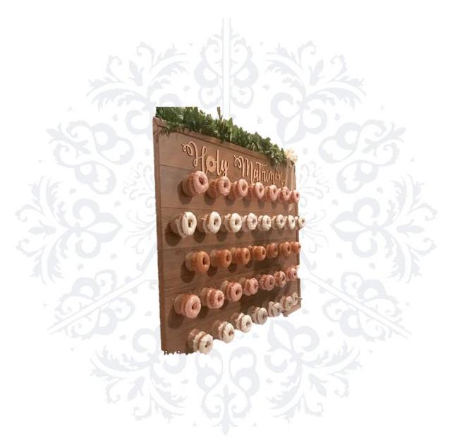 2 Medium Wooden Donut Walls