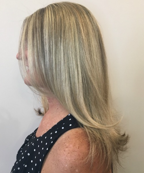woman's hair long blonde highlights with