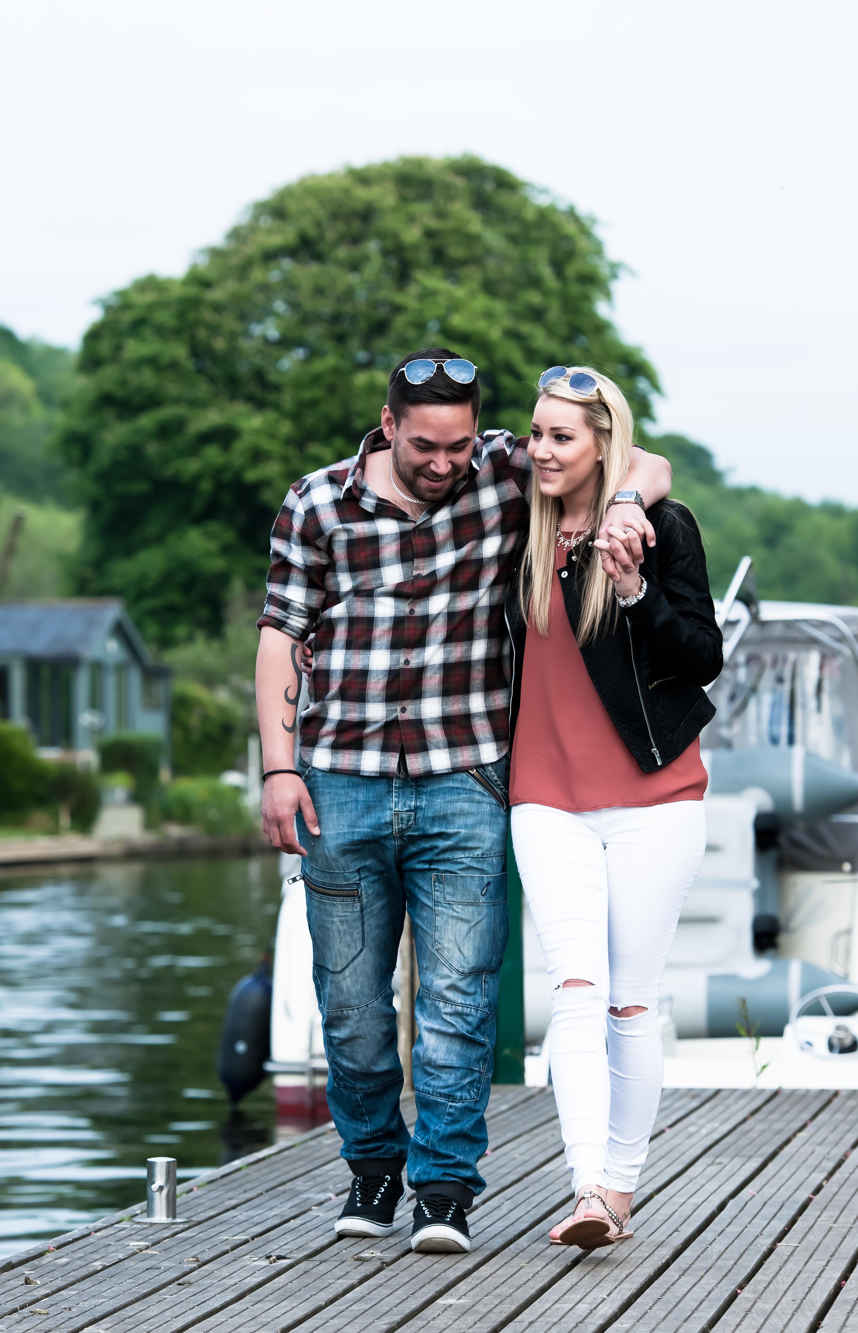 Gayna & Matt_Henley on Thames 2015-14