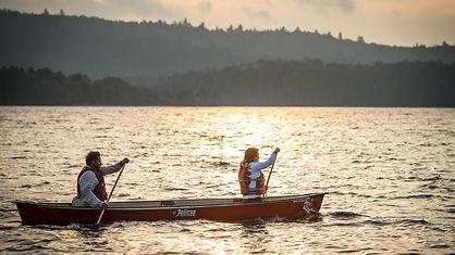canoe-lac-taureau-coucher-soleil.jpg