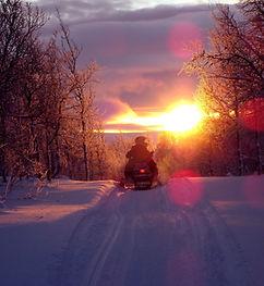 motoneige-sunset-pixabay.jpg