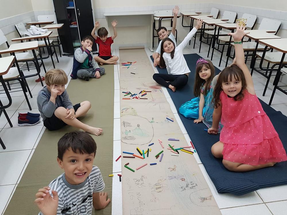 Atividade coordenado pela teacher Andrea Couto - alunos Little Kids - Cultura Inglesa Copacabana