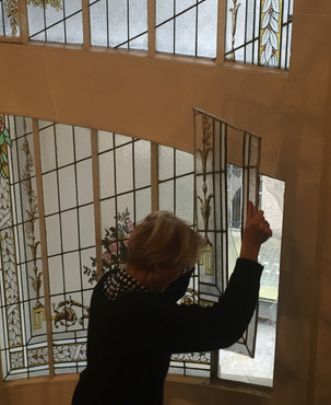 Restauration cage d'escalier vitrail peint