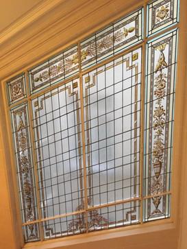 Restauration vitraux peints. Cage d'escaliers Paris 16