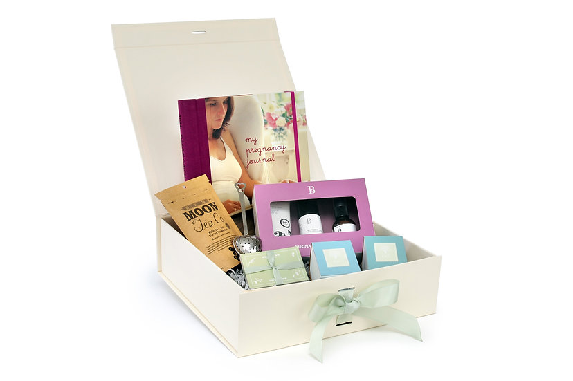 The Dreamland Tree Willow Box of gifts for pregnancy