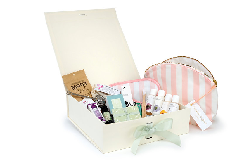 The Dreamland Tree Cherry Box of gifts for birth