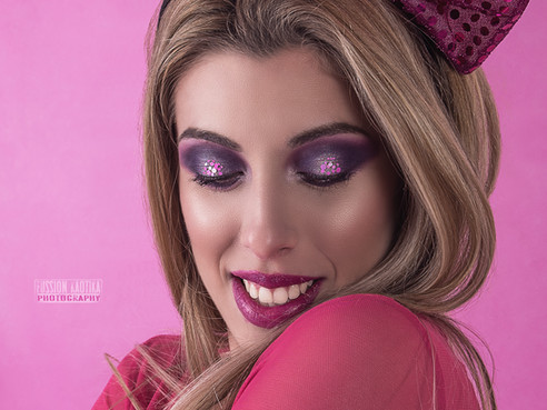 Editorial Purple Barbie