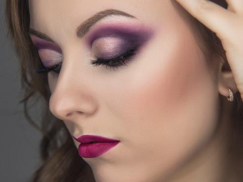 Maquillaje en tonos morados   Purple makeup