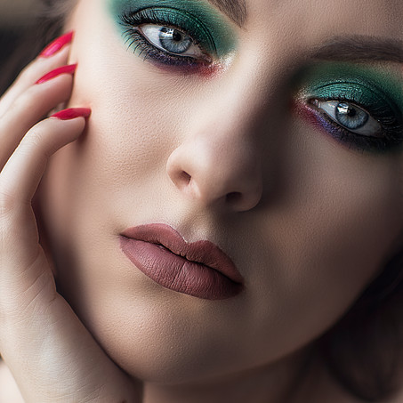 Emerald Dream | Colourful Makeup