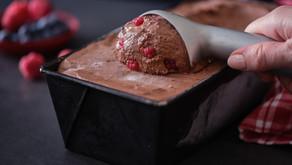 גלידה ביתית בלי מכונה בטעם שוקולד פטל