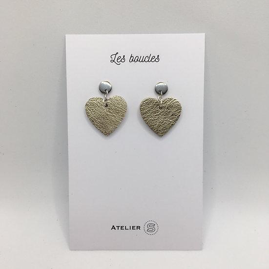 Boucles d'oreilles cœur doré taille moyenne compacte