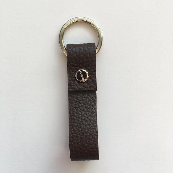 Porte-clés marron foncé