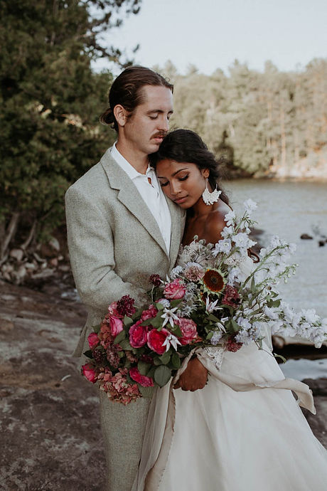 Vibrant styled elopement at Silent Lake