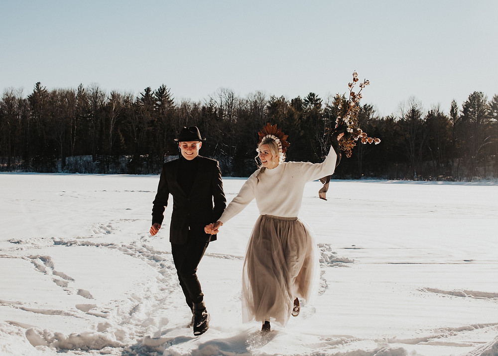 Woodland winter elopement at Petawawa Choose and Cut in Petawawa, Ontario. Photo by Holly Anne Portraiture.