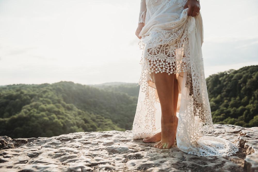 Boho summer elopement at Dundas Peak in Hamilton, Ontario. Photo by Last Summer Photography.