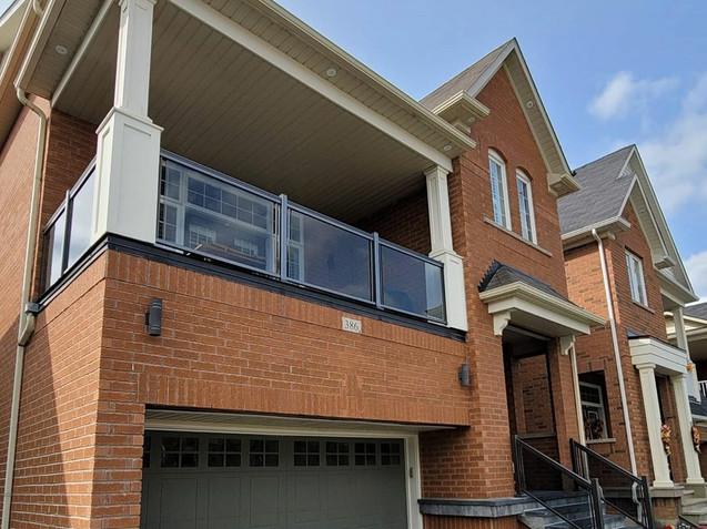 Balcony & porch glass railing