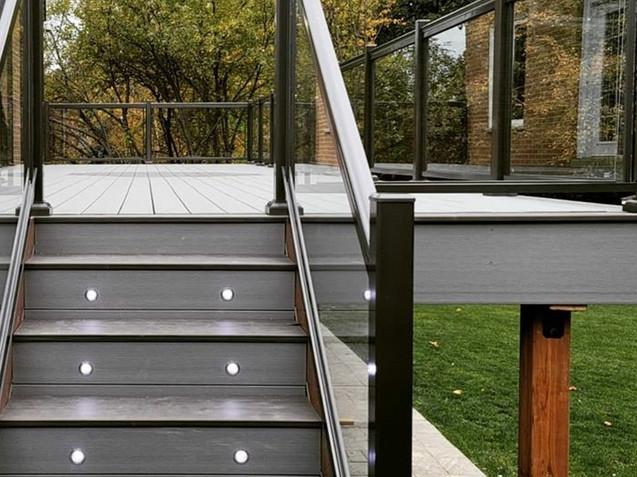 Deck railing.jpg
