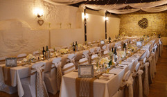 Hessian & White Lace Bows & Table Runners