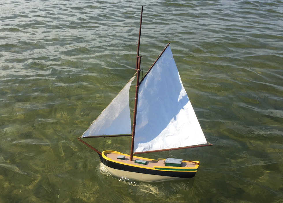 Pond model carved from balsa wood. I started building this boat when I was 12. It stayed with me as an unfinished carved hull for many years before I finally decide to complete it.
