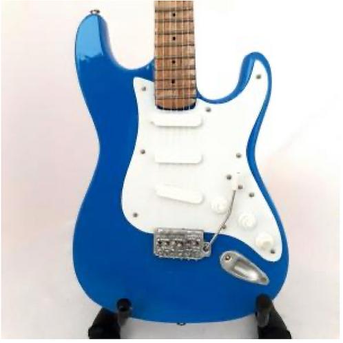 Fender Stratocaster 1:4 Scale Model Guitar
