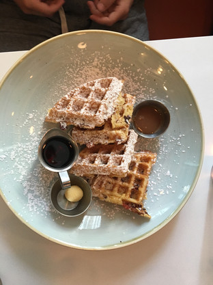 bacon & buttermilk waffle