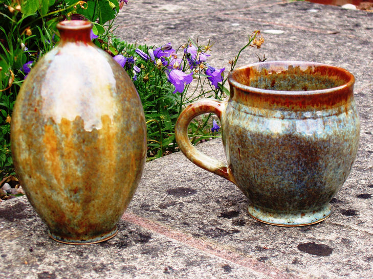 Stoneware Coffee mug and vase