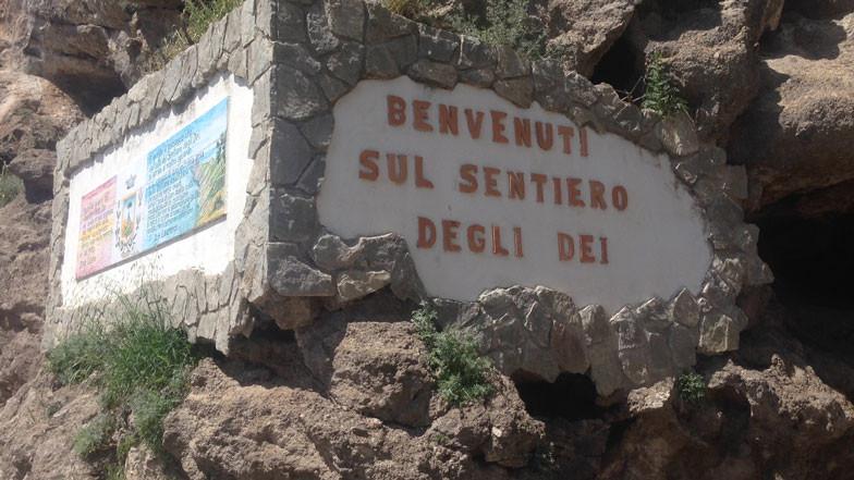 benvenuti-sul-sentiero-degli-Dei.jpg